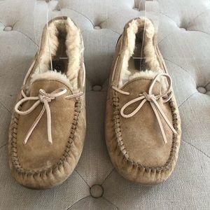 Ugg Dakota Slippers Beige size 10